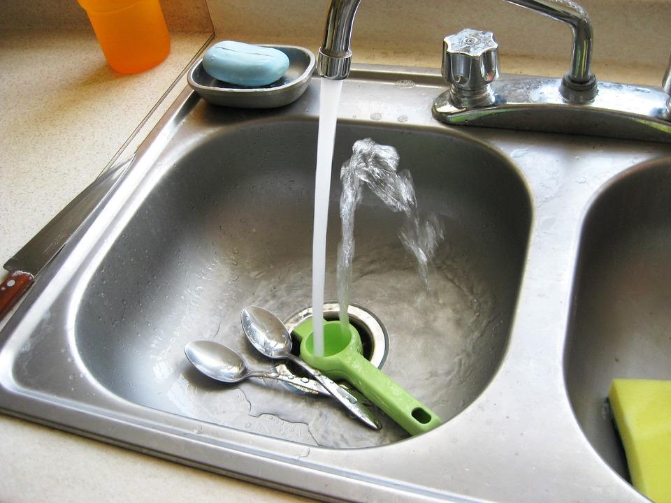 kitchen sink running